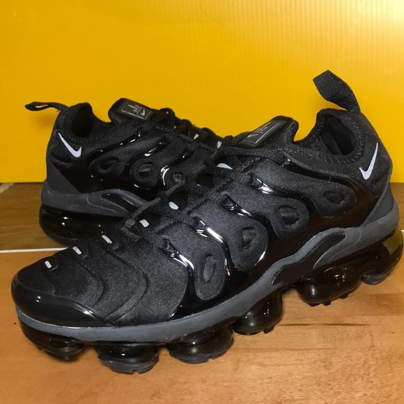 2c4975dacc1 Nike Air VAPORMAX PLUS Running Shoes Size 8 🎁